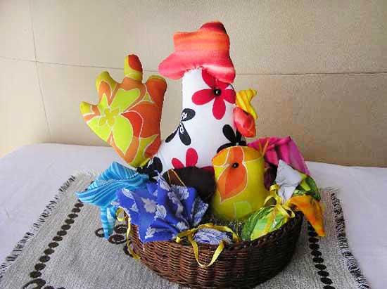 Idee Cucito Per Pasqua : Dipingere e decorare uova di pasqua tutte le tecniche