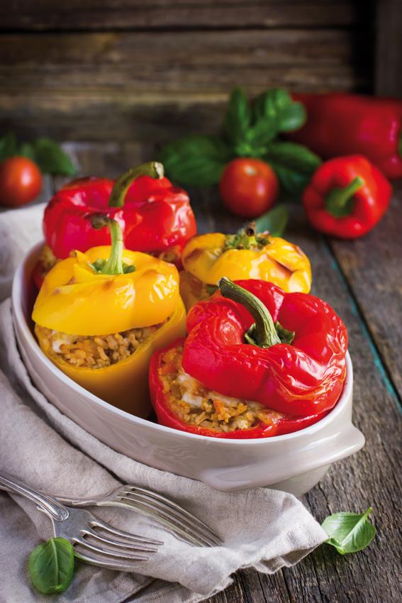 Ricetta peperoni ripieni al forno - Cucinare i peperoni ...