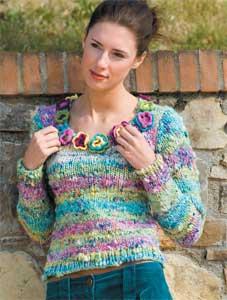 progetto maglioncino donna ai ferri con fiori all'uncinetto