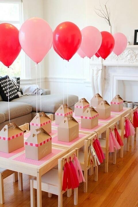 Come creare simpatici addobbi per una festa di laurea fai for Decorare una stanza con palloncini